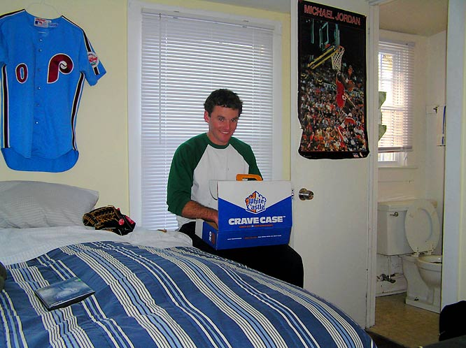 Sean can't wait to dig in and eat a nice box of cheeseburgers, which he has hidden from his housemates.