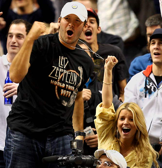 Tony Romo and Jessica Simpson cheered on the Mavericks earlier this week, but the pop star's jinx struck again as Dallas went down.