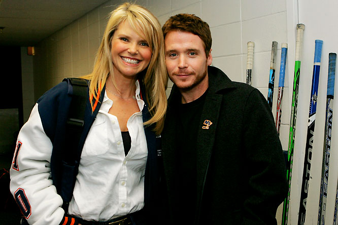 "Christie Brinkley and ""Entourage's"" Kevin Connoly took in Tuesday's Maple Leafs-Islanders game."