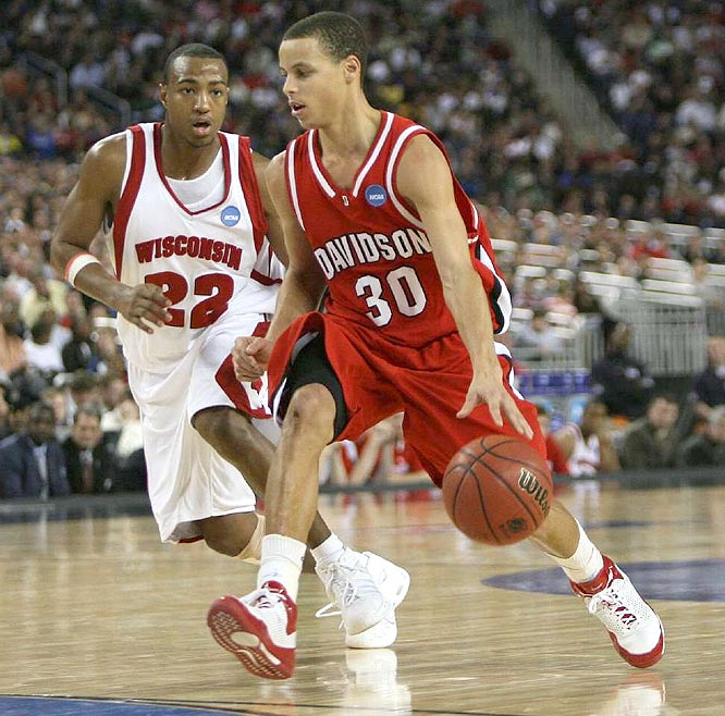 Curry outscored the Badgers by himself in the second half, 22-20, as Davidson extended the nation's longest winning streak to 25.