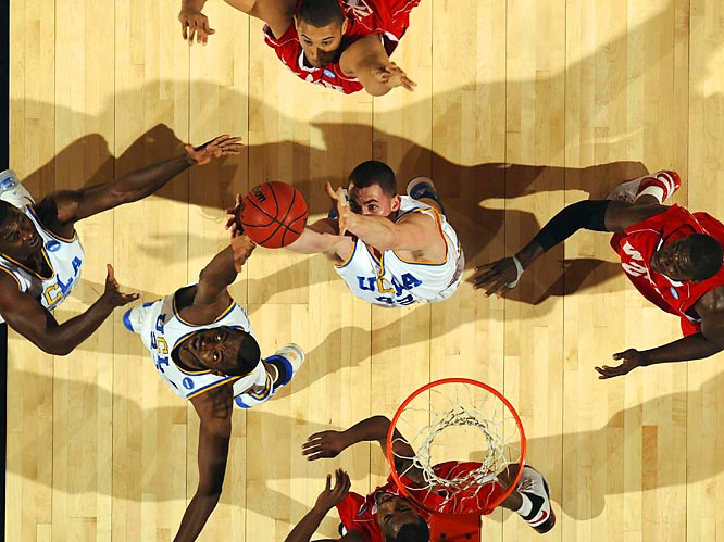 UCLA superfrosh Kevin Love (center) had a typical Kevin Love sort of game: 29 points, four assists and 14 rebounds.