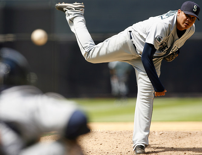 The King battled lofty expectations and a brief arm injury to make 30 starts for the second consecutive season. Though his numbers weren't spectacular, he did win 14 games with a 3.92 ERA for a Mariners club that overachieved to win 88 games.