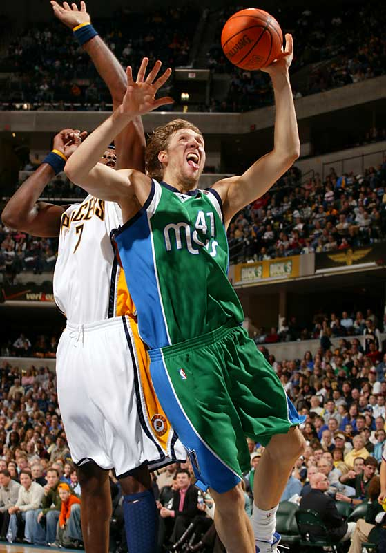 Dirk Nowitzki helped pave the way for his MVP award by leading the Mavs on a 17-game winning streak.