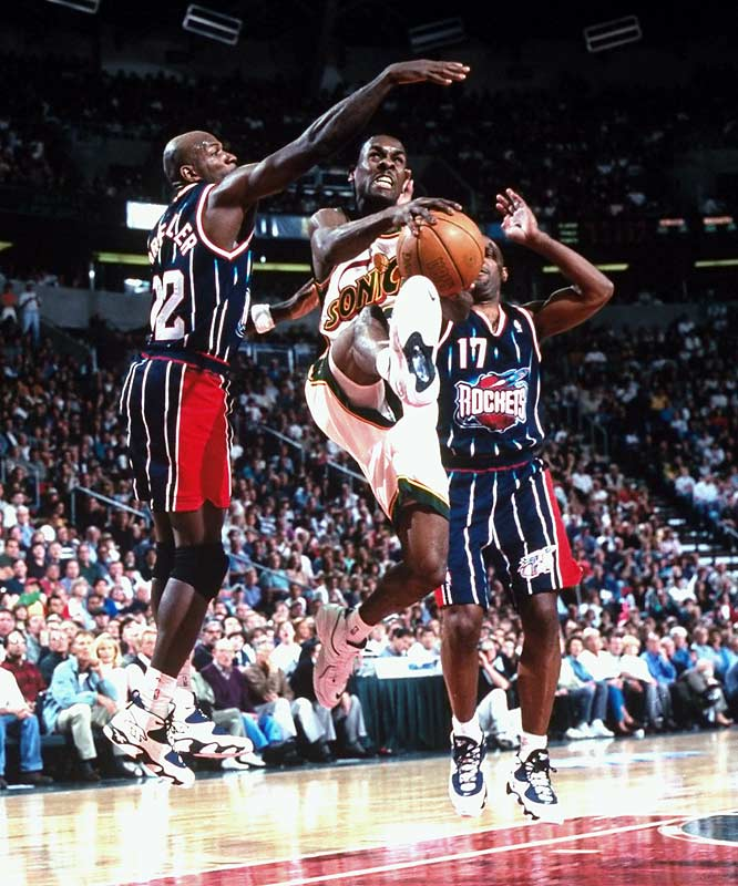 All-Stars Gary Payton and Shawn Kemp carried the Sonics on a memorable run that eclipsed the previous team record of 12 wins in a row.