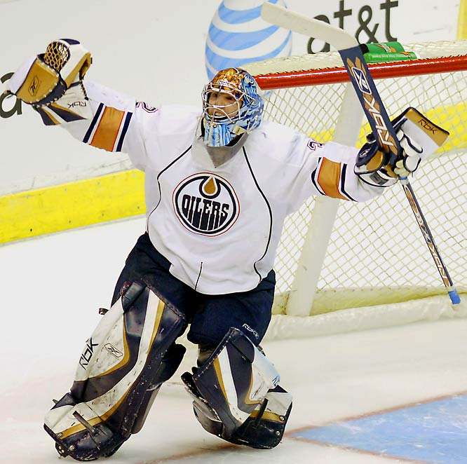 During the 2007-08 season, the Oilers' netminder tied the mark of 10 shootout wins, shared by Martin Brodeur of the New Jersey Devils and Ryan Miller of the Buffalo Sabres. Garon also set a single-season SO save pct. mark of .938 (minimum 20 shots) and holds the career record of .854 (minimum 40 shots).