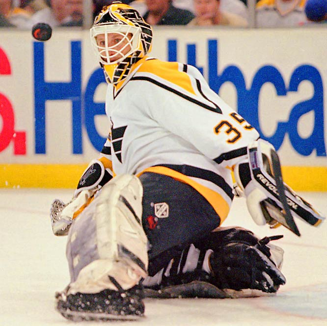 The most offensive goaltender of all time, Barrasso was credited with 48 points (all assists) during his 19-season career with six NHL teams.