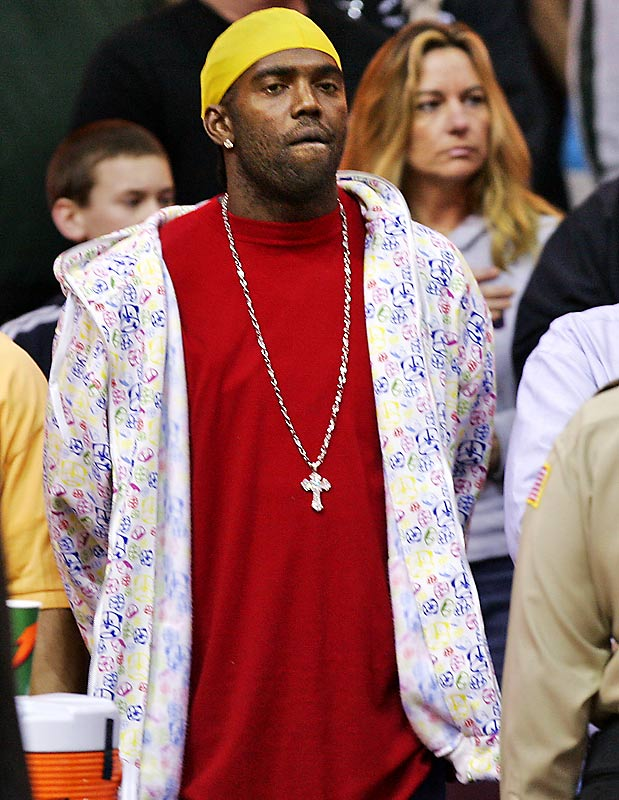 Randy Moss took in last Sunday's Heat-Cavaliers game. We just have one question: What's up with that jacket?