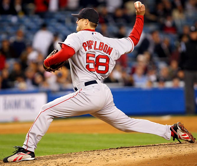 After converting 37 of his 40 save opportunities in 2007, Papelbon became the first closer in Red Sox history to post multiple seasons with 30 saves. The 28-year-old punctuated a strong postseason with an emphatic strikeout of Colorado pinch hitter Seth Smith for the final out of the 2007 World Series.