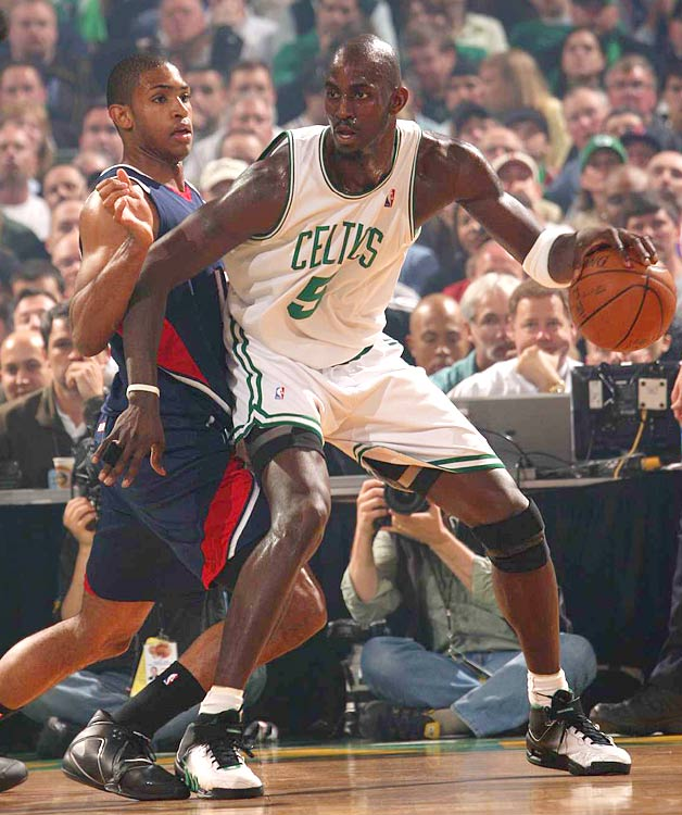 Boston's Kevin Garnett fights for position against Hawks rookie Al Horford.