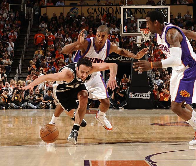 Manu Ginobili of the Spurs gaining control of a loose ball in a Game 4 loss to the Suns.
