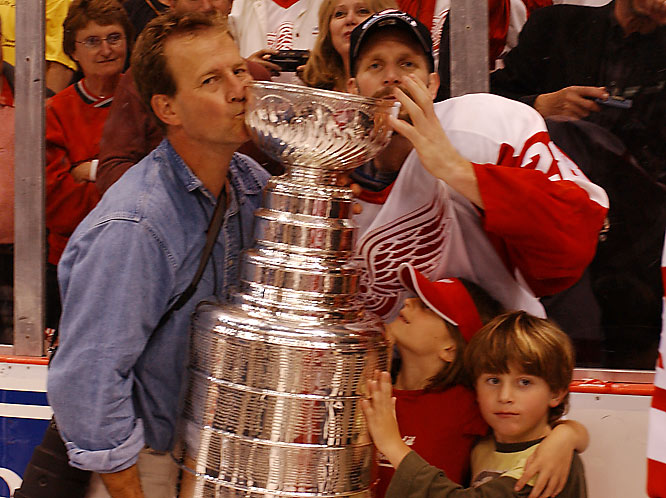 """""""My good friend Steve Duchesne invited me to celebrate on the ice with him in detroit.""""-- Steve Chase"""