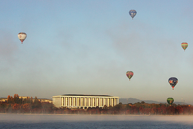Dispute the hot air balloon ceremony to start the Australian leg of the relay, protesters gathered in Canberra to protest China's policies toward Tibet, disrupting the torch route and ceremonies, as the Olympic made its only stop in the continent.