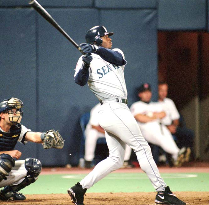 The Seattle Mariners draft Ken Griffey, Jr. with the first pick in the amateur draft.