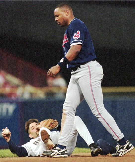 Albert Belle uses a forearm to break up a double play and nearly breaks Brewer 2B Fernando Vina's nose. Belle is given a two-game suspension for his actions.