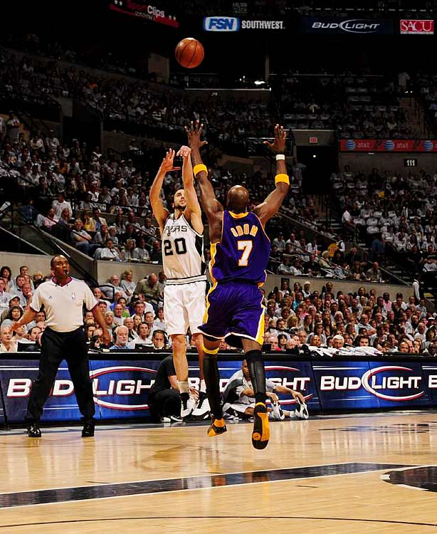 Manu Ginobili broke out of his scoring slump with 30 points off the bench, and the Spurs beat the Lakers 103-84 in Game 3.