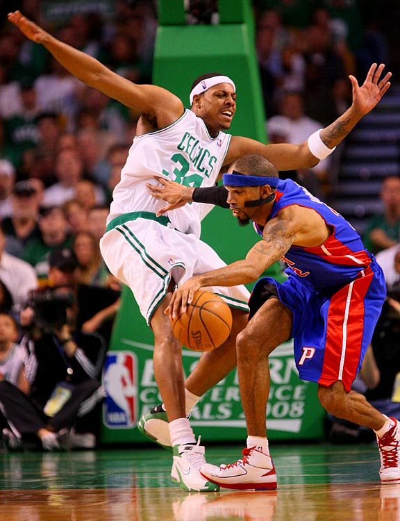 Richard Hamilton (32), the Pistons' leading scorer in the playoffs, had just three points in the first half of Game 1 and finished with 15.
