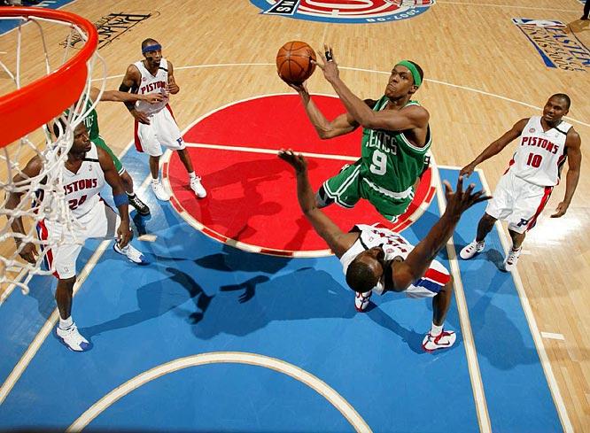 Rajon Rondo (9) scored 12 points in Game 3 as the Celtics won 94-80.