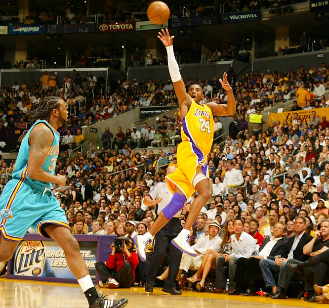 In 2007, Kobe  became the youngest player to score 20,000 points (29 years, 122 days), edging Wilt Chamberlain by just 12 days. In fact, Bryant, Chamberlain and Michael Jordan are the only players to eclipse 20,000 points before reaching the age of 30.
