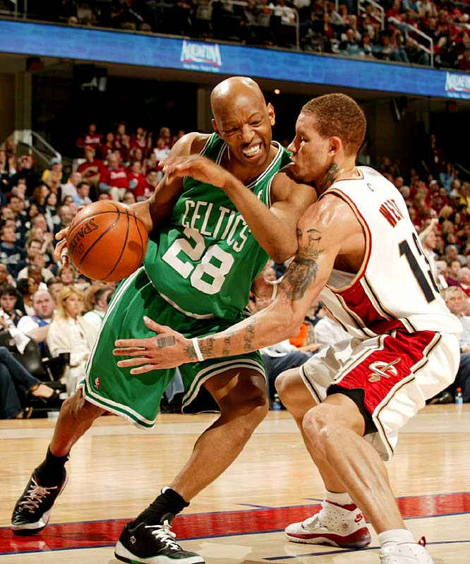 Sam Cassell, who was acquired by the Celtics for the instant offense he could provide during the playoffs, attempts to maneuver inside against Delonte West in Game 3.