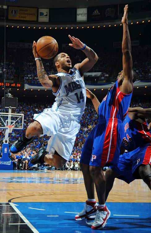Point guard Jameer Nelson goes up for two of his 15 points in the Magic's 90-89 loss to the Pistons in Game 4.