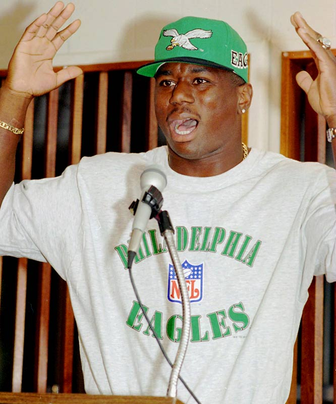 High-priced free agent Ricky Watters fumbled twice in his Eagles debut and short-armed a pair of passes across the middle to avoid contact with a Tampa Bay defender, drawing lusty boos from the Veterans Stadium crowd. ''I'm not going to trip up there and get knocked out,'' explained Watters following the 21-6 loss. ''For who? For what?''