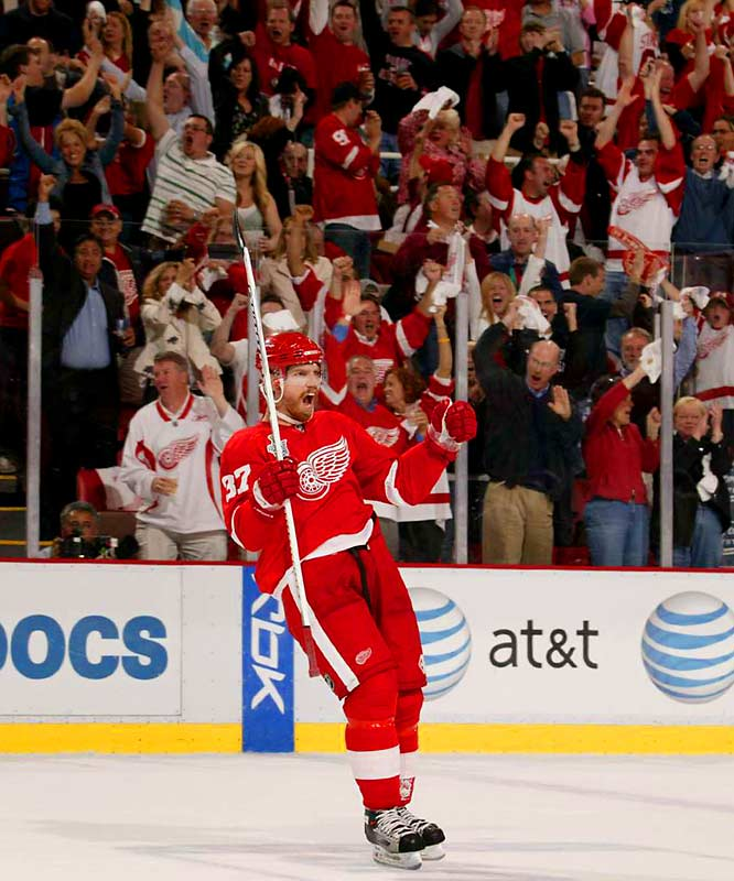 Mikael Samuelsson had two goals to lift the Red Wings over the Penguins in the first game of the Stanley Cup finals.