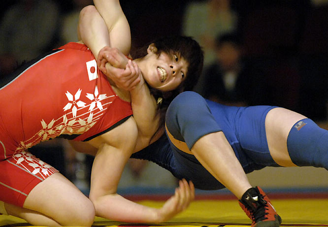 Yoshida, 25, won her fifth straight world title in 2007 and stretched her winning streak to 115 matches.