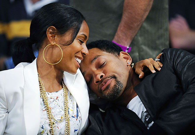Will Smith took a snooze on wife Jada Pinkett's shoulder during Game 4 of the NBA Finals on Thursday only to later find out his Lakers collapsed.