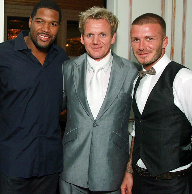 ''Hell's Kitchen's'' Gordon Ramsay recently welcomed Michael Strahan and David Beckham to his new restaurant, Gordon Ramsay at The London, in West Hollywood.