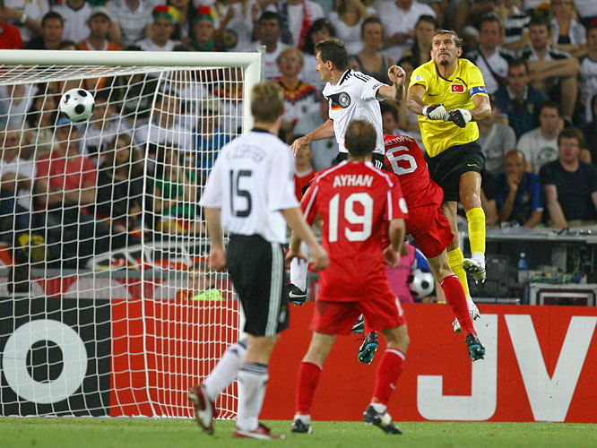 Klose's first goal of the tournament broke a 1-1 deadlock in the 79th minute, touching off the frenetic final reel of the Germany-Turkey semifinal. When veteran Turkish keeper Rüştü Reçber sprinted from his line to punch away Philipp Lahm's long entry into the box, Klose arrived first and sharply headed the ball into the unguarded net.
