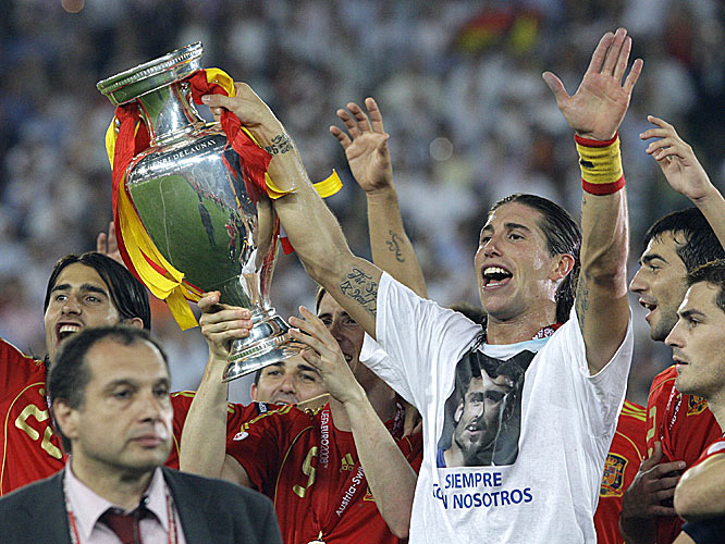 Sergio Ramos sported a T-shirt honoring friend and former teammate Antonio Puerta, who died in August 2007.