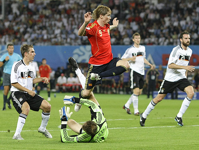 After beating Philip Lahm on a through-ball, Fernando Torres jumped over the sliding Jens Lehman after chipping the ball into the open goal.