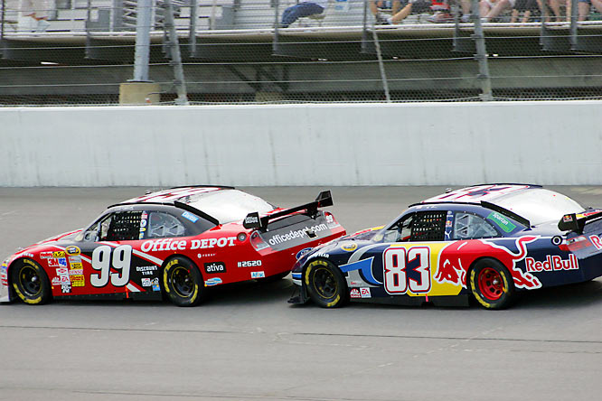 Carl Edwards (99) and Brian Vickers (83) worked together to conserve fuel.