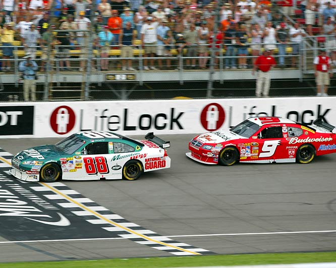 After winning the previous week in Pocono, Kasey Kahne (9) finished second.