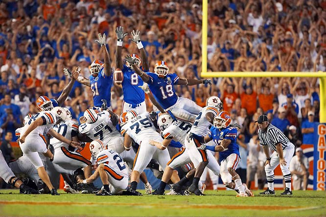 Wes Byrum makes a 43-yard field goal as time expires in Auburn's 20-17 victory over Florida at Gainesville.
