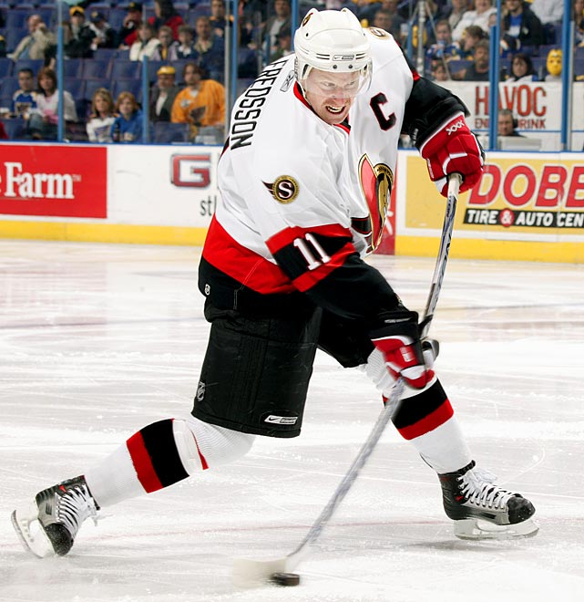 Ottawa's first pick in '94 was center Radek Bonk at No. 3 overall, but they found their now-venerable captain at 133, five rounds later after taking defenseman Stan Neckar (29) and goalie Bryan Masotta (81). Alfredsson won the Calder Trophy as rookie of the year for 1995-96 and played 17 seasons for the Senators, topping 30 goals in a season four times (including 40+ twice) while making six All-Star Game appearances. He also won the 2012 King Clancy Trophy for leadership and humanitarian work. Other notables from '94: G Tim Thomas (Nordiques, 9th Rd. at 217), G Evgeni Nabokov (Sharks, 9th Rd. at 219) G Tomas Vokoun (Canadiens, 9th Rd. at 226), and G Marty Turco (Stars, 5th Rd. at 124).