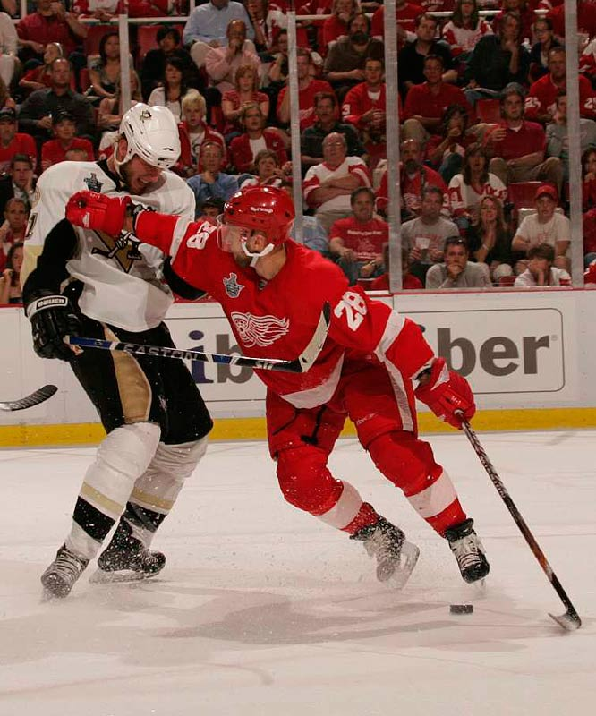 Down 2-0, the veteran-laden Red Wings began to draw on their experience and poise. Defenseman Brian Rafalski, a two-time Stanley Cup-winner with the New Jersey Devils, assisted on Pavel Datsyuk's game-tying goal at 6:43 of the third period and later scored the go-ahead tally at 9:23.