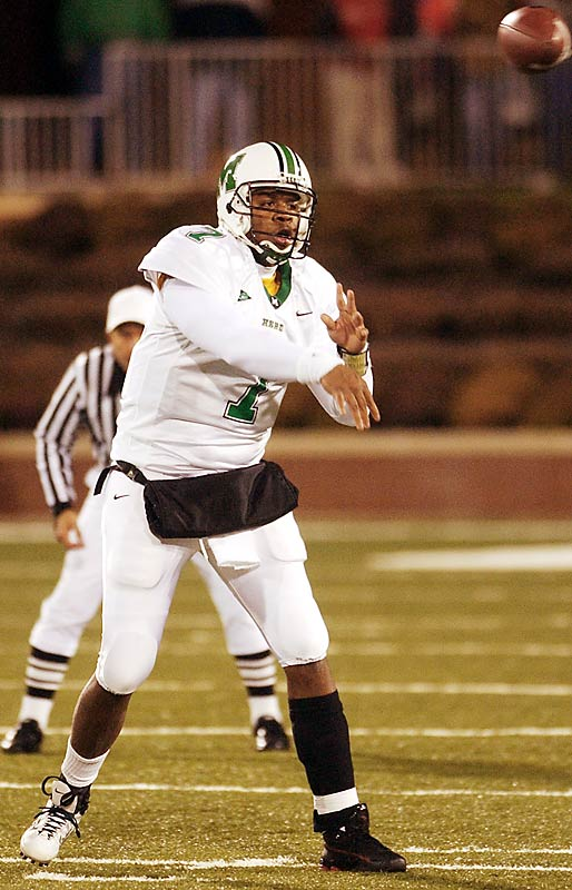 After a first-quarter hit sent him off the field with a broken shin, it seemed unlikely the Heisman candidate would return. But after a trip to the hospital, Leftwich limped back in the third quarter, and though he would have to be carried down the field by two of his linemen on some plays, the Marshall QB threw 14 passes for 108 yards in a 34-20 loss.