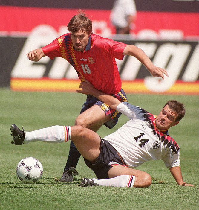 The Group C co-favorites played to a 1-1 draw at Chicago's Soldier Field, with Spain's Ion Andoni Goikoetxea striking early and Germany's Jürgen Klinsmann equalizing during the second half.