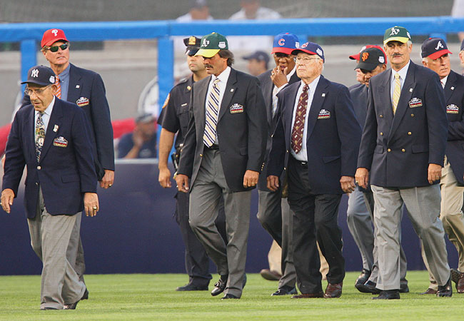 Pregame festivities included the appearance of Yankees great Yogi Berra and Hall of Famers Dennis Eckersley, Bob Feller and Rollie Fingers.