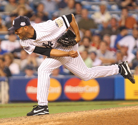 Yankees closer Mariano Rivera drew plenty of cheers from the hometown crowd when he came on in the eighth to pitch 1 2/3 innings of scoreless relief.