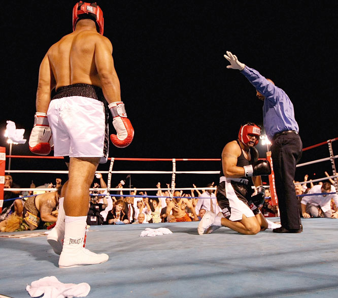 Word spread quickly that Canseco had not trained much for the fight, while Sikahema had prepared extensively. And it showed. Just 1:37 into the fight, the ex-Philadelphia Eagle landed a punch to seal the victory and send Canseco to the mat for good.