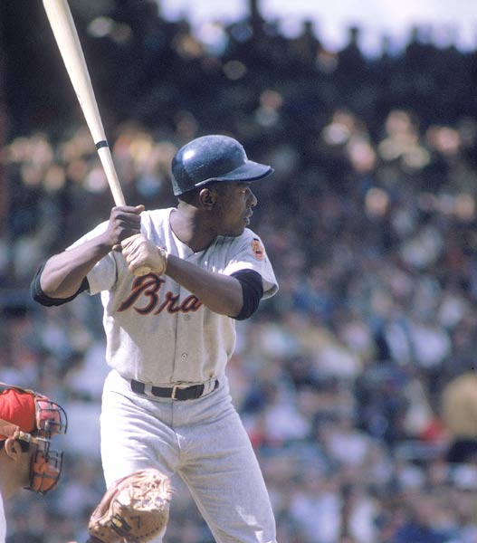 Hank Aaron hits Ken Brett's fastball for his 700th career home run.