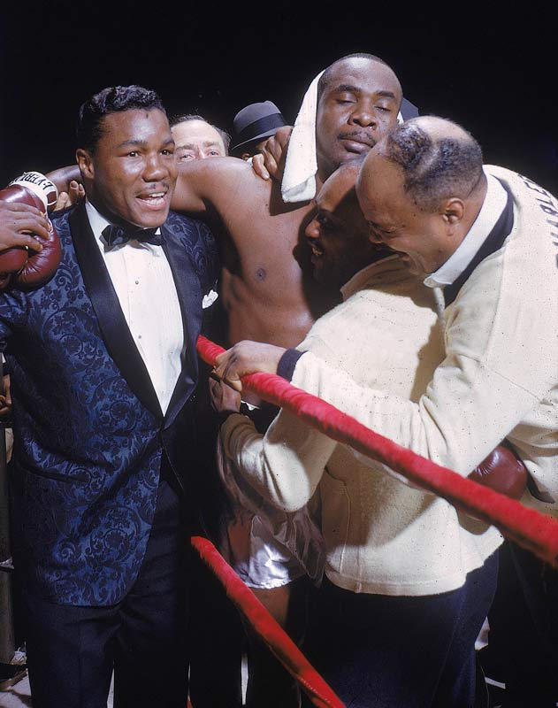 Sonny Liston (pictured here in 1962) knocks out Floyd Patterson in the first round to retain the World Heavyweight Title.