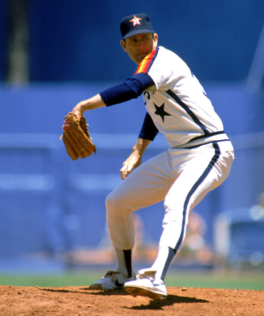 Nolan Ryan fans Ceasar Geronimo to record his 3000th career strikeout.