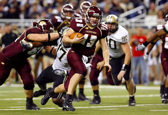 The Chippewas have their sights on a third straight MAC title behind dual threat quarterback Dan LeFevour, who had 46 combined touchdowns on the ground and in the air in '07. Defense, though, is this team's biggest obstacle, having ranked 109th in total defense last season.