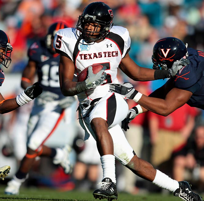 As a redshirt freshman, Crabtree shattered the NCAA freshman records for catches (134), yards (1,962) and touchdowns (22), including nine catches for 195 yards and two TDs against Texas.