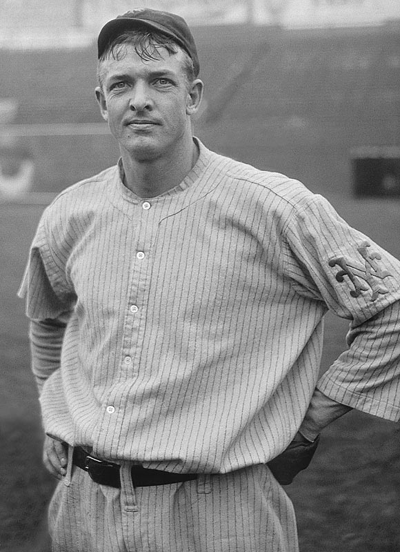 Christy Mathewson (1880, pictured)  Barry Manuel (1965)  Greg Manusky (1966)  Dean Hartgraves (1966)  Pete Sampras (1971)  Todd Marchant (1973)  Matt Clement (1974)  Regan Upshaw (1975) Anders Myrvold (1975)  Antoine Walker (1976)  Plaxico Burress (1977)  Chris Chambers (1978)  Hayley Wickenheiser (1978)