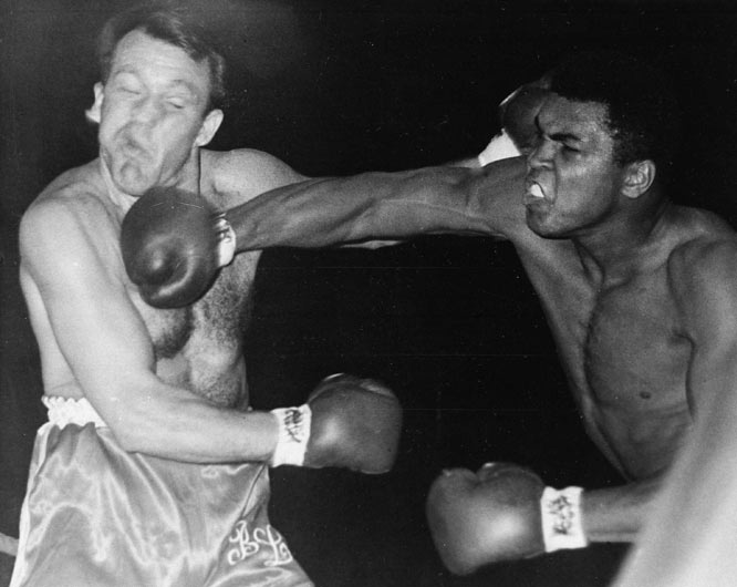 Muhammad Ali knocks out Brian London in the third round to maintain the WBC Heavyweight title.