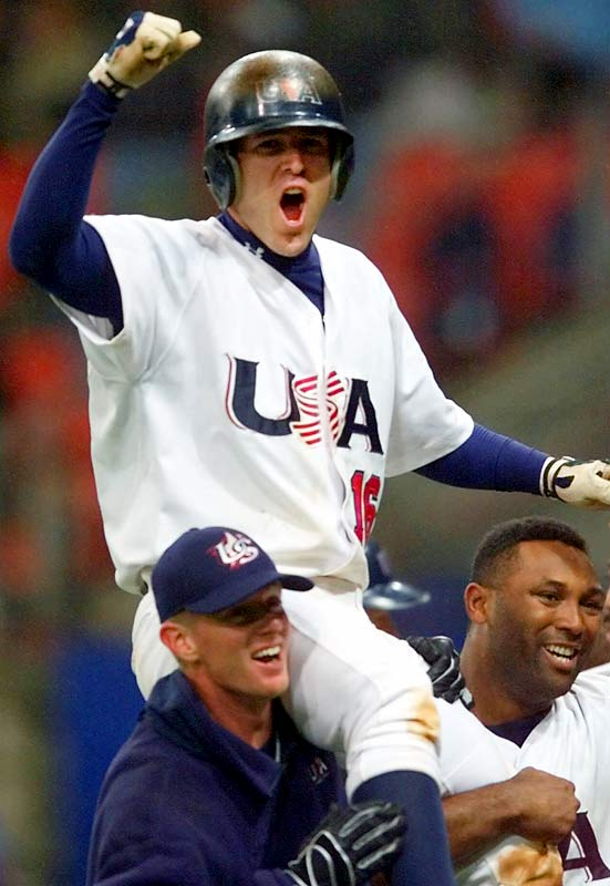 With high school teammate Alex Rodriguez on the verge of a golden contract, Mientkiewicz was starring for Team USA and winning a gold medal instead, batting .414 (second on the squad) and driving in eight runs for the champions.